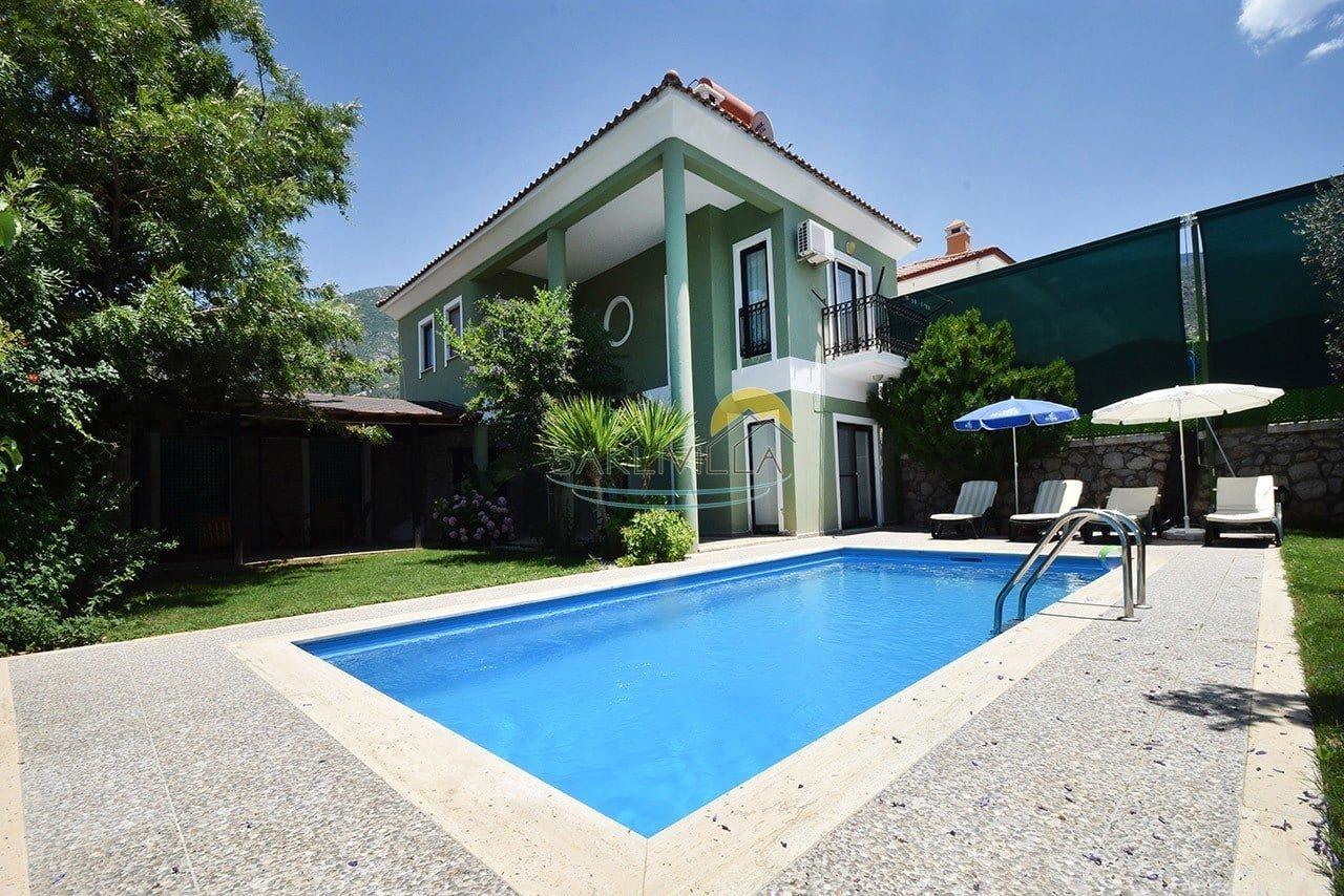 Villa Nail